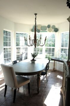 Want to do this in my kitchen with lace edged milk glass plates.  Now ... to find the plates CHEAP.  hmmmmm