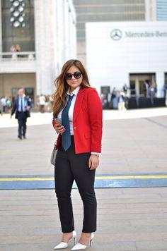 Anything & Everything LA: NYFW: Womens Designer Round Sunglasses Oversize Retro Fashion Sunglasses 8623