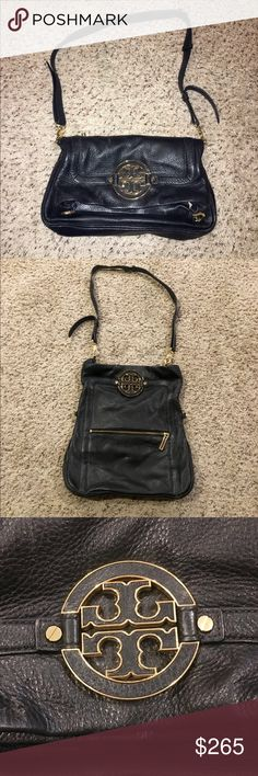 Tory Burch Amanda Fold Over Messenger Beautiful Tory Burch Black Amanda Fold Over Crossbody handbag that can also be converted into a clutch! Interior is very spacious and has pockets for essentials. In excellent condition- Excepting offers, no trades please :) Tory Burch Bags Crossbody Bags