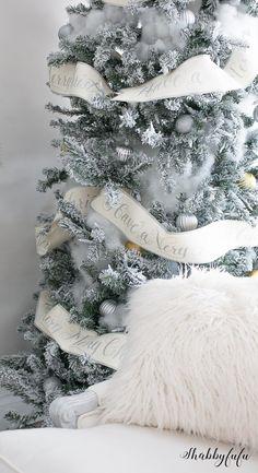 beautiful-flocked-christmas-tree-shabbyfufublog