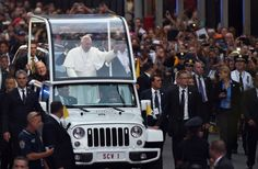 Pope receives roaring welcome in first trip to NYC