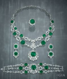 This emerald parure features 151.32 carats of diamonds and 125.76 carats of emeralds. Photo by Robert Weldon/GIA, courtesy of Mouawad MENA DMCC