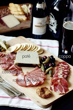 unicorn party 5 Tips To A Fabulous Charcuterie Board - Creating a charcuterie board is not only simple but makes an impressive party appetizer! Throw one together with these 5 tips, complete with drink pairings created by our certified sommelier. Plateau Charcuterie, Charcuterie And Cheese Board, Charcuterie Platter, Cheese Boards, Meat Platter, Wine And Cheese Party, Wine Tasting Party, Tapas, Appetizers For Party