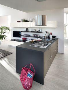 Design by Vuesse. Sax: plenty of ideas to make the dream of a trendy kitchen come true. #Scavolini #kitchens #ScavoliniBasic #Sax