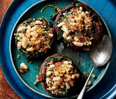 Skinny Holiday Recipes: Portobello Mushrooms With White Beans and Prosciutto. #SkinnyHolidaySweeps
