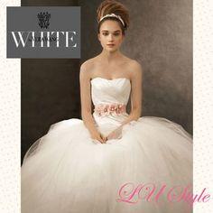 Vera Wang(ヴェラウォン) ウェディングドレス 4色★関税送込【Vera Wang】みんな大好き☆プリンセスドレス♪
