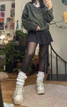 Indie Outfits, Edgy Outfits, Cute Casual Outfits, Pretty Outfits, Girl Outfits, Grunge Winter Outfits, Cute Grunge Outfits, Grunge Clothes, Aesthetic Grunge Outfit