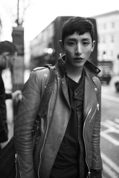 Lee Soo-hyuk   The guy who i met eyes with today has some resemblance to him