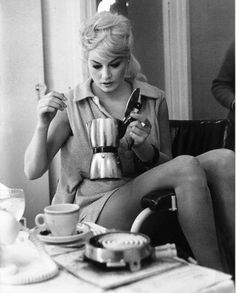 Net Image: Anita Ekberg: Photo ID: . Picture of Anita Ekberg - Latest Anita Ekberg Photo. Anita Ekberg, Classic Hollywood, Old Hollywood, Hollywood Actor, People Drinking Coffee, Drinking Tea, International Coffee, Coffee And Cigarettes, Faye Dunaway