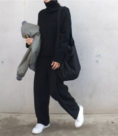 37 Ideas Sneakers Fashion Outfits Minimal Chic All Black Fashion Mode, Look Fashion, Korean Fashion, Winter Fashion, Fashion Black, Normcore Fashion, Normcore Outfits, Trendy Fashion, Black Fashion Bloggers