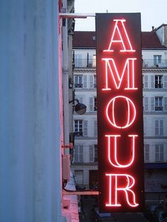 pink neon sign - Amour