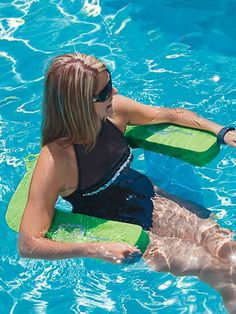 how to keep hair dry when swimming