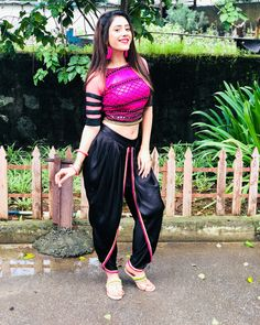 hibanawab Bollywood Actress Hot Photos, Bollywood Girls, Beautiful Bollywood Actress, Most Beautiful Indian Actress, Beautiful Actresses, Stylish Girls Photos, Stylish Girl Pic, Tribal Fusion, Indian Dresses