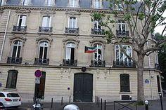 Hôtel Branicka (XIXe) 2, rue de Lubeck Paris 75016. Actuellement Ambassade du Koweit, ce fut l'ancien hôtel de la comtesse Branicka, lieu de rendez-vous de l'émigration polonaise au début du xxe siècle.