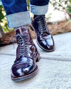When in doubt go with Alden x Leffot Captoe Medallion. Alden Cordovan, Alden Boots, Leather Men, Leather Boots, Oxford Brogues, Mens Boots Fashion, Office Shoes, Derby Shoes, Sexy Boots