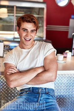 Kj apa, camila mendes, cole sprouse and lili reinhart - entertainment weekly, fall 2017 issue Archie Andrews Riverdale, Riverdale Archie, Kj Apa Riverdale, Riverdale Cast, The Cw, Joe Anderson, Beautiful Boys, Pretty Boys, Camila Mendes Riverdale