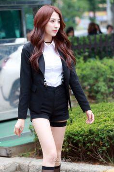 Designer Clothes, Shoes & Bags for Women Japanese Beauty, Asian Beauty, South Korean Girls, Korean Girl Groups, Bubblegum Pop, Cosmic Girls, Ulzzang Girl, Korean Singer, Sports Women