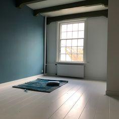 Grenen planken vloer wit geschilderd, gelegd door Eerlijk Hout.