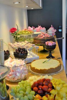 Puistolan bistro: Kummitytön rippijuhlat Cake, Desserts, Food, Tailgate Desserts, Deserts, Food Cakes, Eten, Cakes, Postres