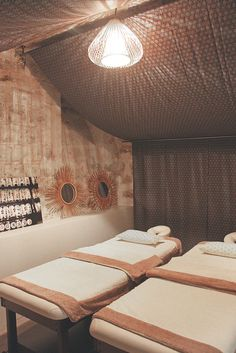 les 20 meilleures images du tableau yuzuka salon de massages japonais sur pinterest massage. Black Bedroom Furniture Sets. Home Design Ideas
