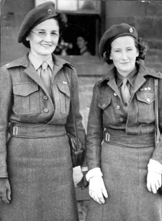 Sisters in the Queen Alexandra's Imperial Military Nursing Service on leave in Melbourne, 1945 ~