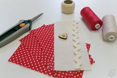 Casa e Trend.it jwt Sewing Projects, Projects To Try, Fabric Hearts, Shabby Chic Crafts, Hanging Hearts, Christmas Makes, Jar Gifts, Sewing Toys, Valentines Diy