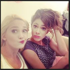 Shared by Martina Stoessel. Find images and videos about martina stoessel, violetta and teen on We Heart It - the app to get lost in what you love. Disney Channel, Violetta Live, Idol, Boy Meets World, Sofia Carson, Ambre, Mercedes, Disney Stars, Paris Hilton