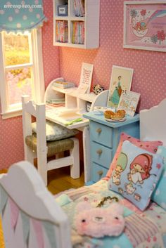 OOAK Diorama for tiny dolls ~ like lati yellow, tiny Betsy, Odeco, etc. Barbie Furniture, Dollhouse Furniture, Kawaii Room, Miniature Rooms, Pink Clouds, Modern Dollhouse, Tiny Dolls, Miniture Things, Doll Crafts