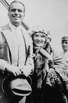 Mary Pickford & Douglas Fairbanks Arrive in Southampton, England