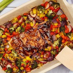 Mmm deze ovenschotel zalm met teriyakisaus is super gezond We Cake Decorating Techniques, Aioli, Paella, Asia, Food And Drink, Baking, Ethnic Recipes, Drinks, Arabic Food