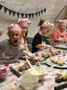Taart bestellen bij Zoet aan de Werf in het cenrum van Utrecht Utrecht, Cupcakes, Cupcake, Cupcake Cakes, Cup Cakes, Tarts