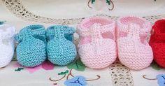 SANDALIAS DE BEBÉ DE PRIMERA POSTURA EN HILO BLANCO /CELESTE/ ROSA / ROJO MI TIENDA EN ARTESANUM Medida suela: 7 cm... Baby Knitting, Baby Items, Children, Kids, Cute Babies, Baby Shoes, Baby Boy, Slippers, Clothes