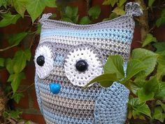 Items similar to DON'T ADD this listing to your BASKET. Little Owl (free crochet pattern in dutch ) on Etsy Crochet Owls, Crochet Stitches, Knit Crochet, Crochet Gratis, Free Crochet, Owl Patterns, Crochet Patterns, Diy Cat Tent, Knitted Animals