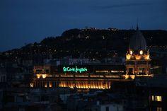 Luces bohemias // Barcelona #EOS1300DMeet #concursorojo by migueltoribio
