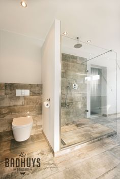 Spacious bathroom with freestanding bath and walk-in shower, stucco combined with tiles in wood structure, Het Badhuys. Laundry In Bathroom, House, House Bathroom, Bathroom Layout, Shower Room, Bathroom Interior, Modern Bathroom, Luxury Bathroom, Bathroom Decor