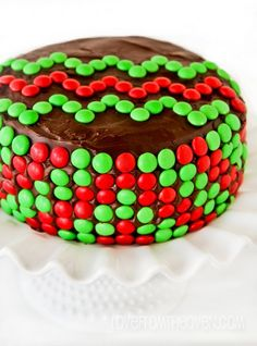 Chevron Christmas Cake.  Such an easy way to decorate a cake for Christmas.