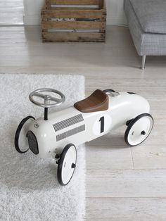 vilac_potkuauto_thumb Baby Bedroom, Kids Bedroom, Pallet Furniture, Kids Furniture, Eco Baby, Baby Gadgets, Baby Mine, Unique Toys, Ride On Toys
