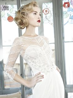 #Rusia #YolanCris #weddingdress #unusual #different #exclusive #salonvencanica #vencaniceBeograd #Spanish #brend #moda #mlada #bride #materijal #model #bridal #bridalfashion #fashion #vencanice #white #sleeves #lace #flowers #cirkons #weddingphotography