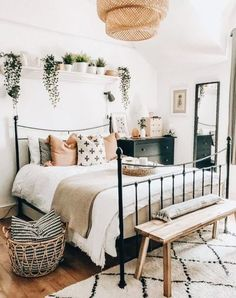 Affordable Bedroom Decoration Ideas With Best Plant To Try Asap 12 Boho Bedroom Decor, Bedroom Vintage, Bedroom Wall, Bedroom Ideas, Bedroom Designs, Bedroom Interiors, Boho Room, Master Bedroom, Home Interior