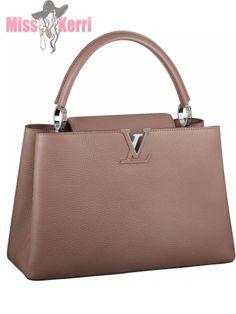 6c333966c1b4 Сумка Louis Vuitton Capucines BB Michael Kors Bag, Fashion Wear, Nike  Shoes, Street