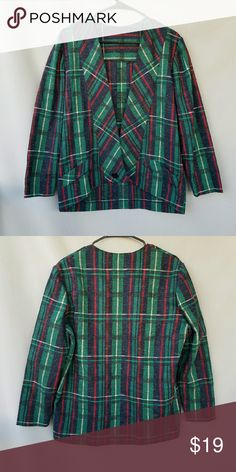 Vintage Plaid Jacket Excellent condition  Feel free to ask me any additional questions! Bundles 3+ 15% off. Happy Poshing! No trades, or modeling. Vintage Jackets & Coats