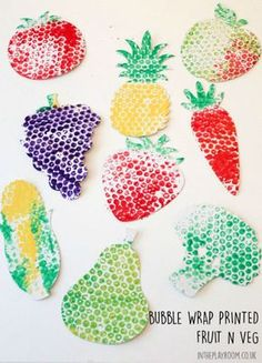 Bubble Wrap Printed fruit and veg craft for kids. Simple but effective Bubble Wrap Printed fruit and veg craft for kids. Simple but effective The post Bubble Wrap Printed fruit and veg craft for kids. Simple but effective appeared first on Pink Unicorn. Kids Crafts, Toddler Crafts, Arts And Crafts, Harvest Crafts For Kids, Mouse Crafts, Food Crafts, Decor Crafts, Bubble Wrap Crafts, Bubble Wrap Art