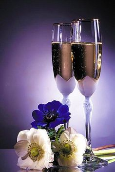 MOONZERO Diy Diamond Painting Cross Stitch Gift Crystal Diamond Mosaic Full Diamond Embroidery Champagne Home Decoration Wine Glass Images, Good Evening Love, Happy Birthday Flower, Types Of Wine, Love Rose, Cross Paintings, Beautiful Roses, Red Roses, Alcoholic Drinks
