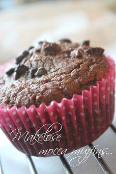 Nydelige saftige muffins, med smak av sjokolade og kaffe.  Smelter i munnen...          Oppskrift   100 g malte hasselnøtter  100 g malte m...