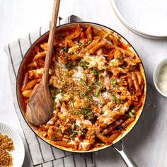 30 High-Protein Sunday Dinners for Winter Chicken Parmesan Pasta, Chicken Noodles, One Pan Chicken, Chicken Meals, Chicken Skillet Recipes, Cooking Recipes, Healthy Recipes, Cooking Tips, Cleaning Recipes