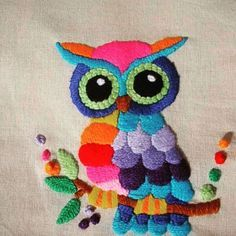 embroidery that inspires Mexican Embroidery, Bird Embroidery, Hand Embroidery Designs, Cross Stitch Embroidery, Embroidery Patterns, Machine Embroidery, Techniques Couture, Bargello, Fabric Painting