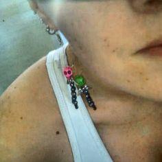 Want a in your ear? How To Look Pretty, Skull, Fancy, Drop Earrings, Jewelry, Fashion, Moda, Jewlery, Jewerly