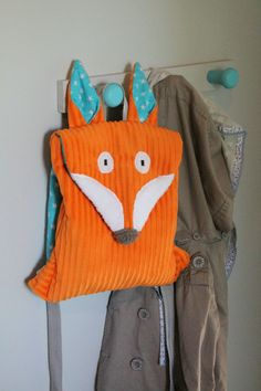 fox backpack for kids Fabric Purses, Fabric Bags, Diy Sac Pochette, Fox Bag, Animal Bag, Blog Couture, Cool Backpacks, Baby Kind, Kids Bags