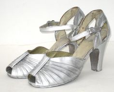 size 55 / 1940s silver lame dancing slippers von SplendoreBoutique, $40.00