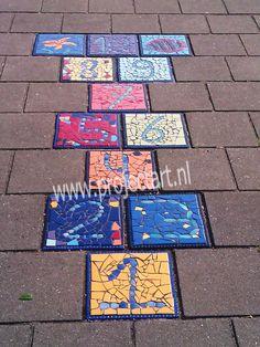 Hinkelbaan schoolplein project mozaieken gals stoeptegels tegels